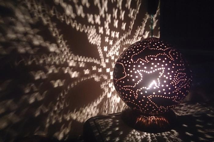 lampička z kokosu